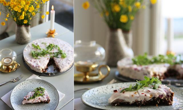 Servera sillen i en magisk matjessilltårta på midsommar