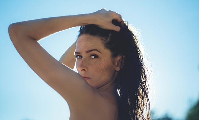 Expertens tips: Så undviker du att ditt hår blir slitet i sommar