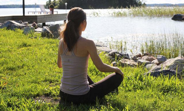 3 enkla meditationstekniker som du kan göra på jobbet, hemma eller under promenaden