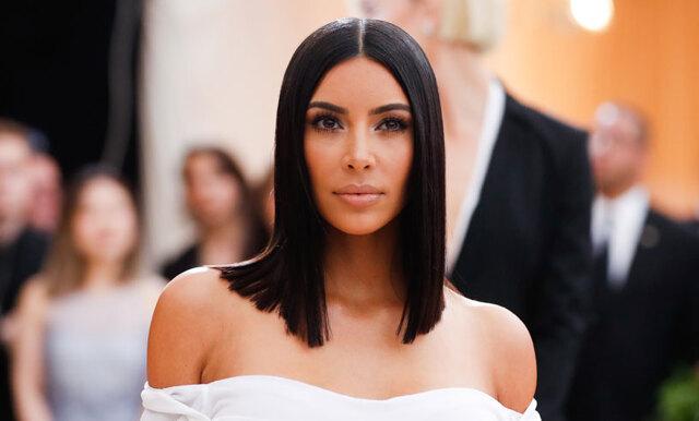 Så får du bort smink från kläderna – Kim Kardashians bästa beautyhack