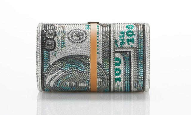 Alexander Wangs väska ser ut som en sedelbunt med gummiband