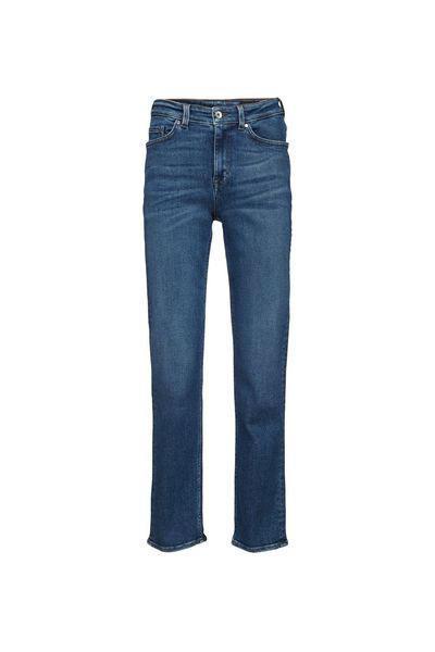 Världens snyggaste plagg! 20 blåa jeans vi helst bär dygnet runt i ... 3b887b09189bd