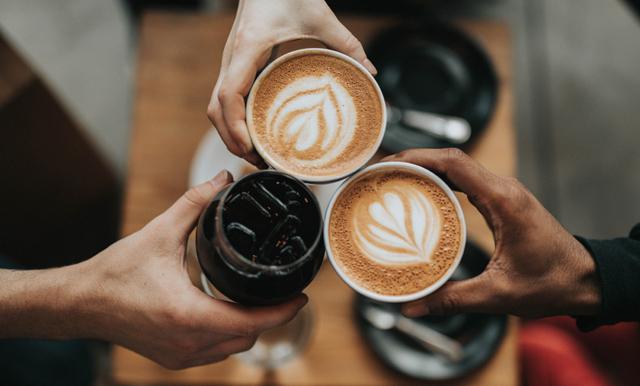 Ny omfattande studie visar: Inbitna kaffedrickare lever längre