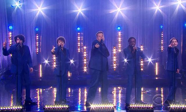 Veckans roligaste klipp: Stranger Things-stjärnornas startar coverband med James Corden