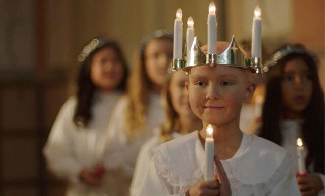 9-åriga Ebba är så vacker som Lucia och förmedlar julens finaste budskap!