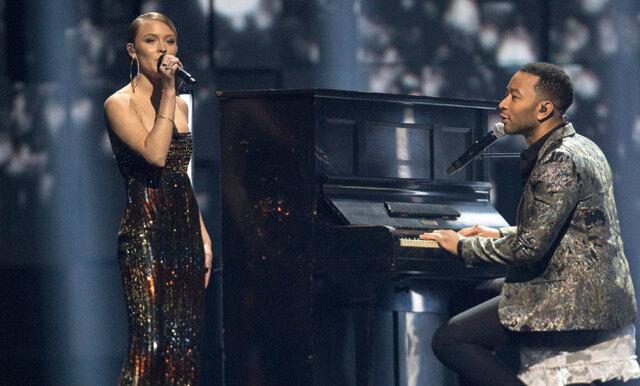 Kolla in klippet när Zara Larsson och John Legend uppträder tillsammans (SÅ vackert!)
