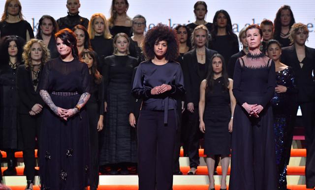 HEJA! Sveriges skådespelarelit går samman i mäktig #tystnadtagning