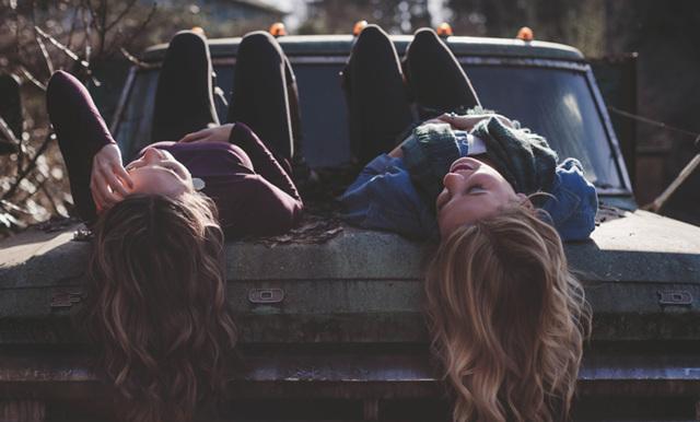 Forskning: Det viktigaste för ett lyckligt liv är dina vänner