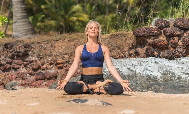 Josefines Yoga tipsar om den effektiva sharing-övningen där du tränar på full närvaro