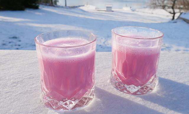 Vinterns hetaste hälsodryck är en rosa latte – fullproppad med nyttigheter