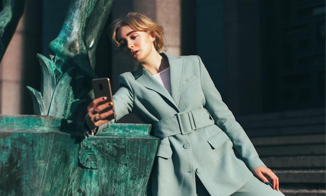 Så tar du en extra bra selfie – mode- och fotoproffset tipsar