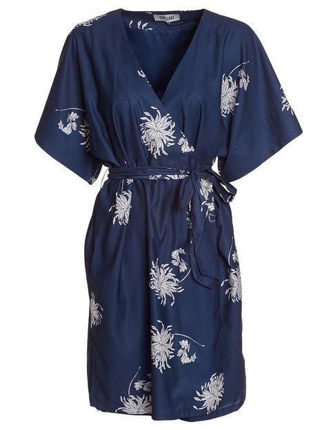 kimono är en klänning