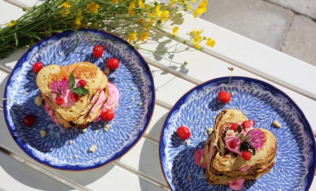 Mini-pannkakstårta fixar godaste midsommardesserten på ett kick