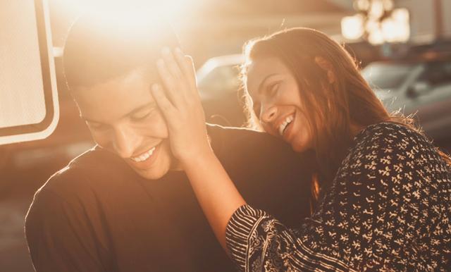 Få någon på fall på första dejten – här är matchmakerns bästa tips