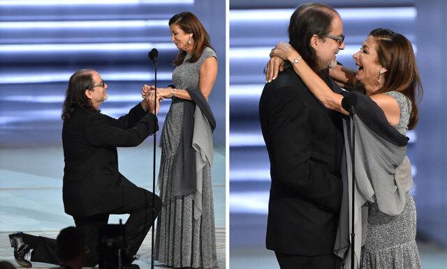 Se frieriet från Emmygalan – Glenn Weiss går ner på knä under sitt tal