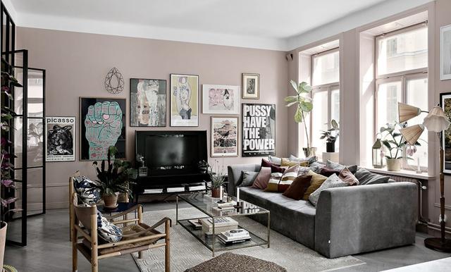 Drömmigt och kreativt – veckans hem är en rosa pärla på Södermalm