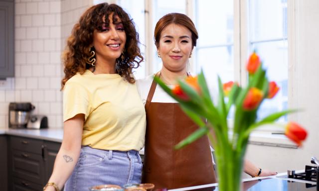 Smakfest när Lin och Sara lagar fläsksida från Hongkong
