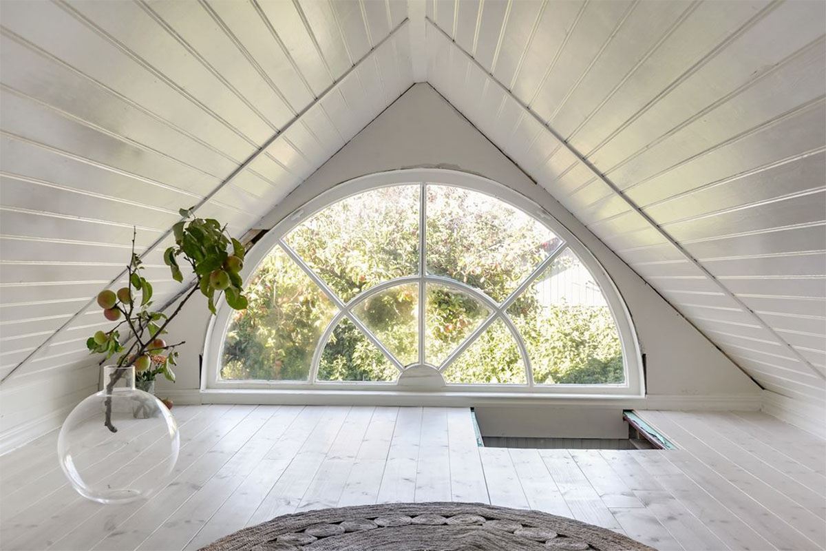 Big window halft moon white wooden ceiling and floor