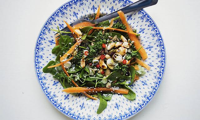 Fräsch sallad med asiatiska smaker