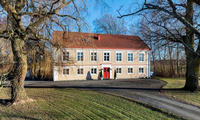 Pampig prästgård från 1800-talet – mest klickade på hemnet just nu