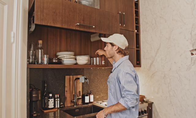 Benjamin Ingrosso visar upp sin nyrenoverade lägenhet