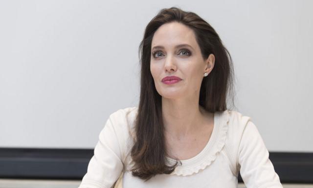 Angelina Jolie skaffar Instagram – delar ett brev från en afghansk flicka