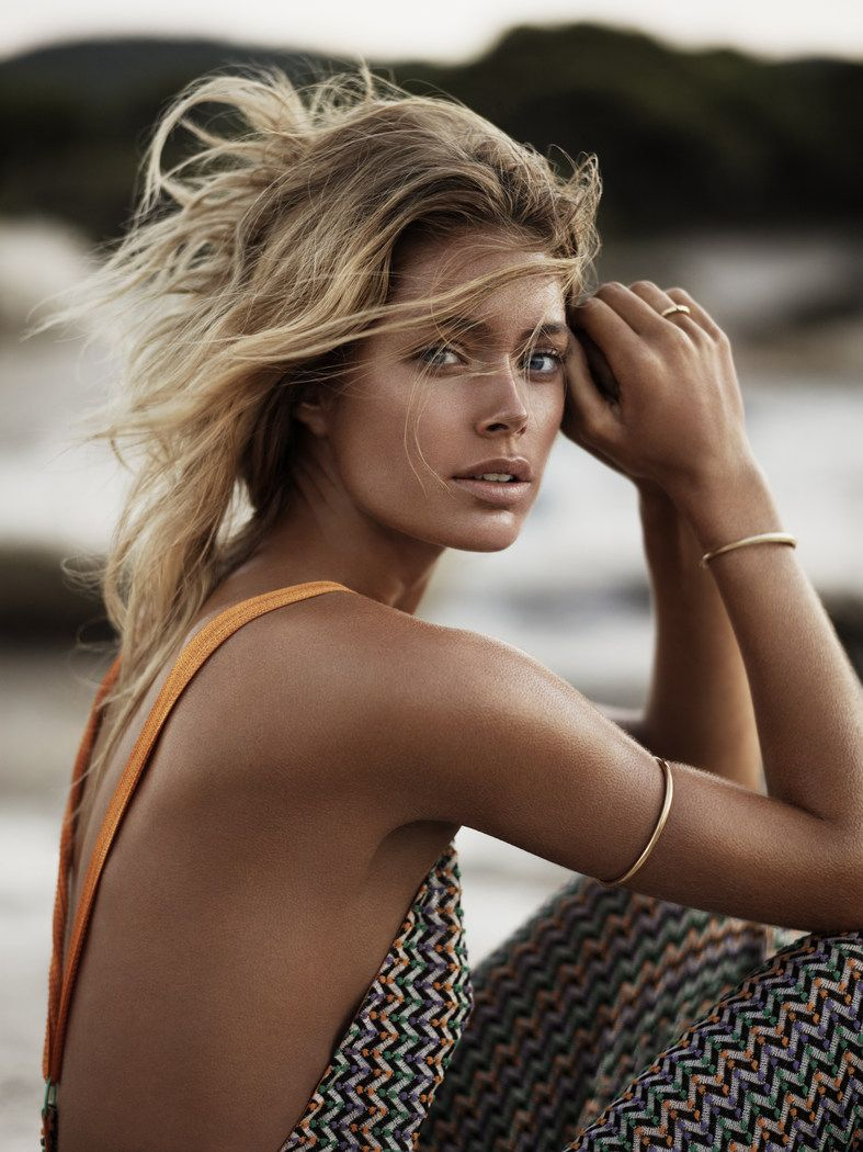 Doutzen-Kroes-Vogue-UK-January-2013-007