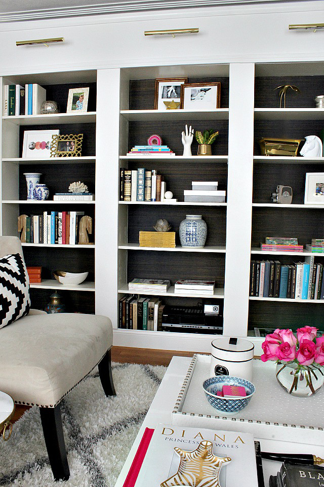 bookcases-with-grasscloth-backs
