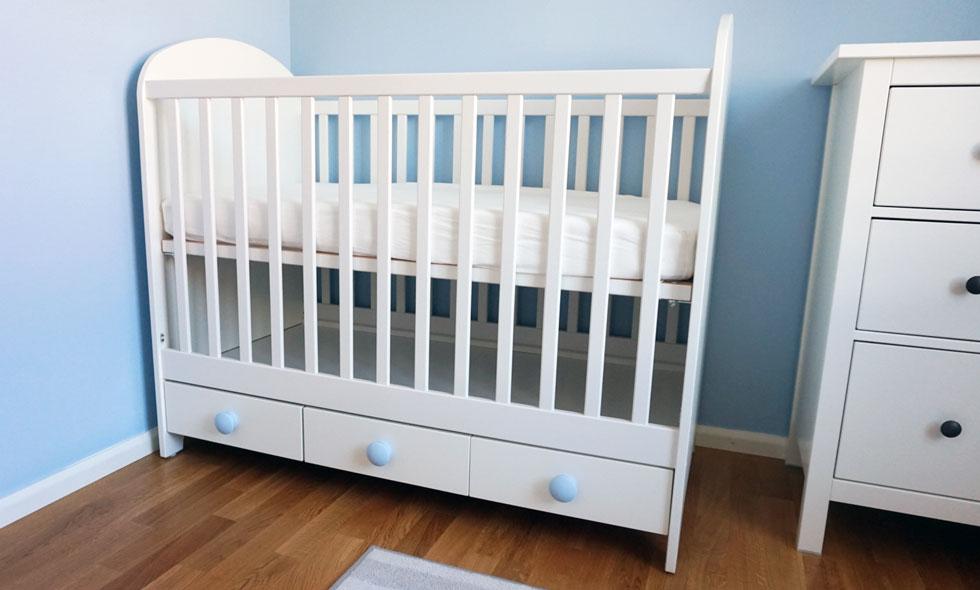 diy s enkelt fixade vi v r egen variant av spj ls ngen fr n ikea jenny sunding metro mode. Black Bedroom Furniture Sets. Home Design Ideas