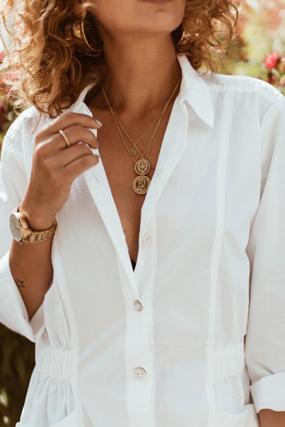 sara-che-coin-necklace-zalando-bitte-kai-rand-jumpsuit-hamsa-systerp