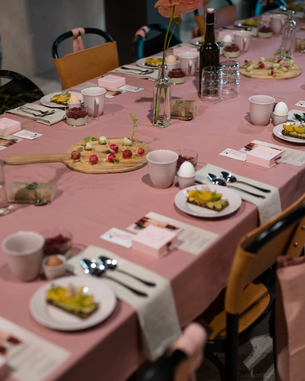 sara-che-lindex-rosa-bandet-pressfrukost