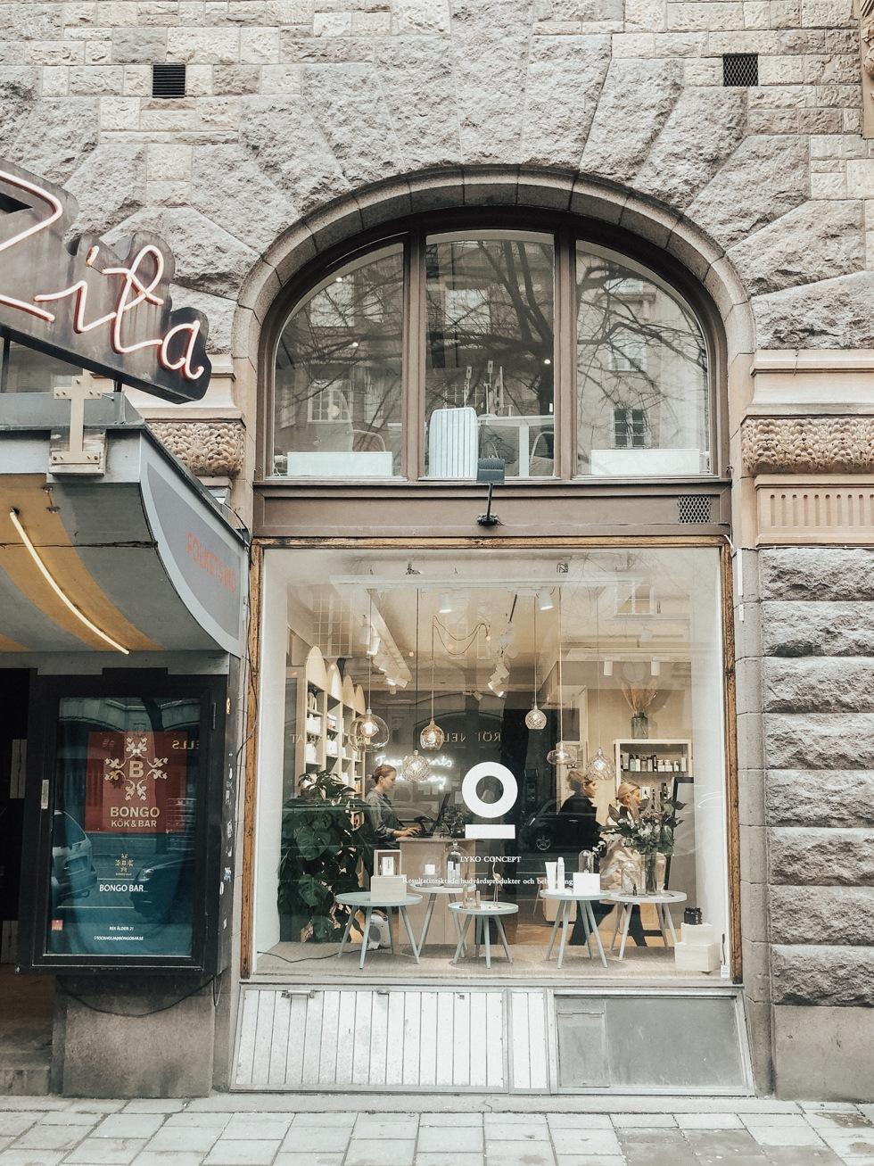 sara-che-lyko-concept-store-mesoe-estetic