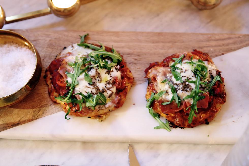 Gluten och laktosfri pizza med mozzarella