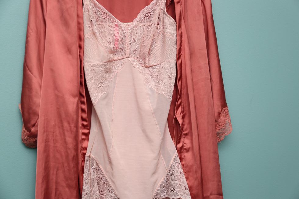 Den här i dusty pink är helt klart min favorit. Man vill ju bara springa  runt med den hemma på. 78d54a1a6a41d