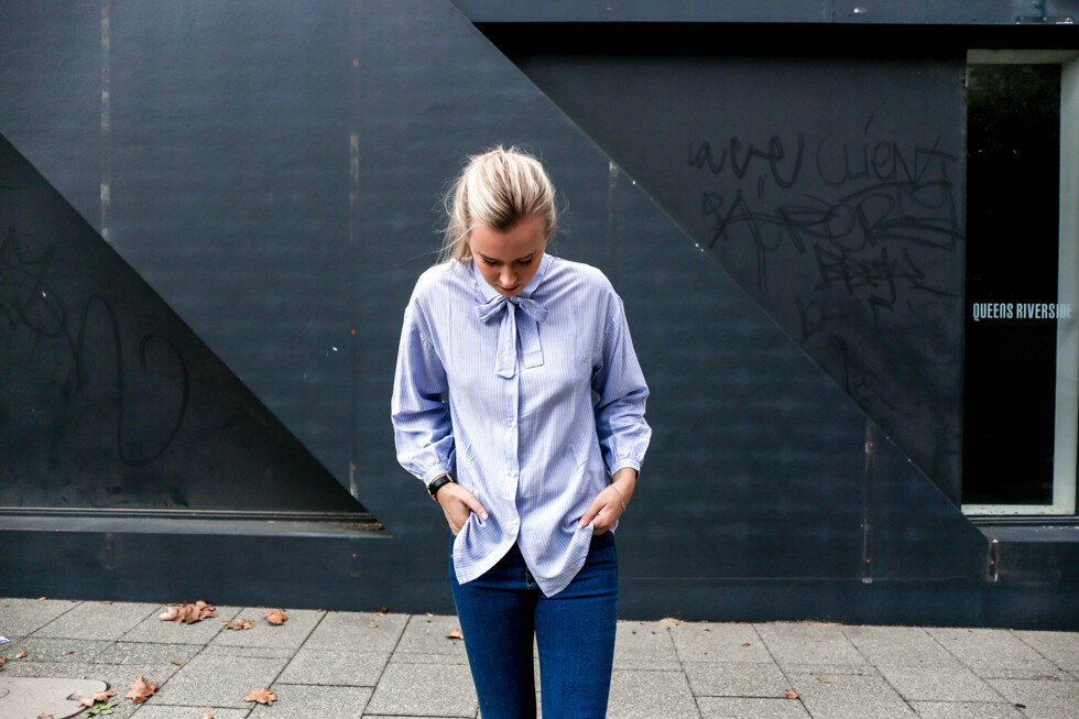 blue-shirt-bow-outfit-6