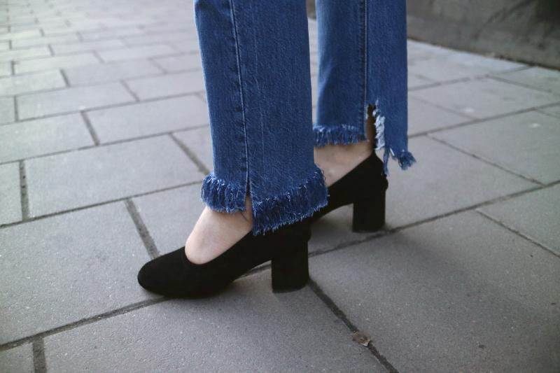Fransade jeans och Asosklackar