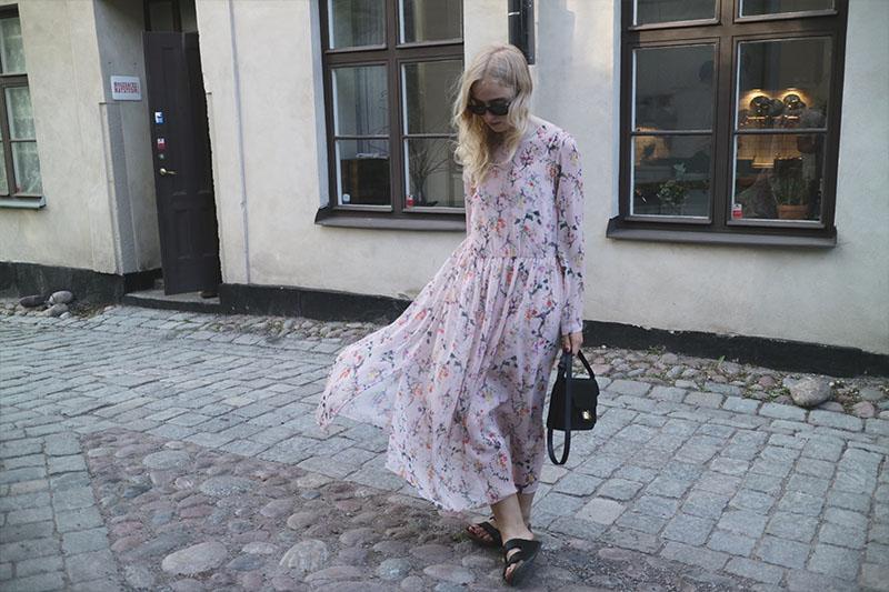 Blommig klänning Fanny Ekstrand