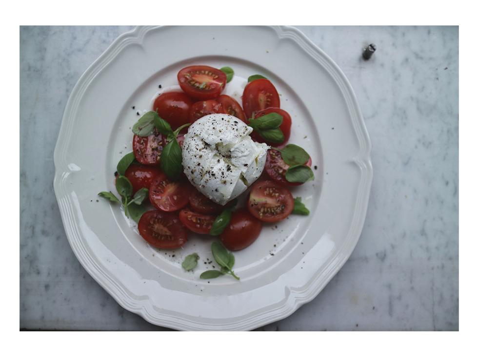 Caprese tomatsallad