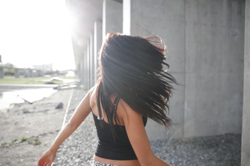 hår lång brunt rapunzel hårfärglänging mjukt svart
