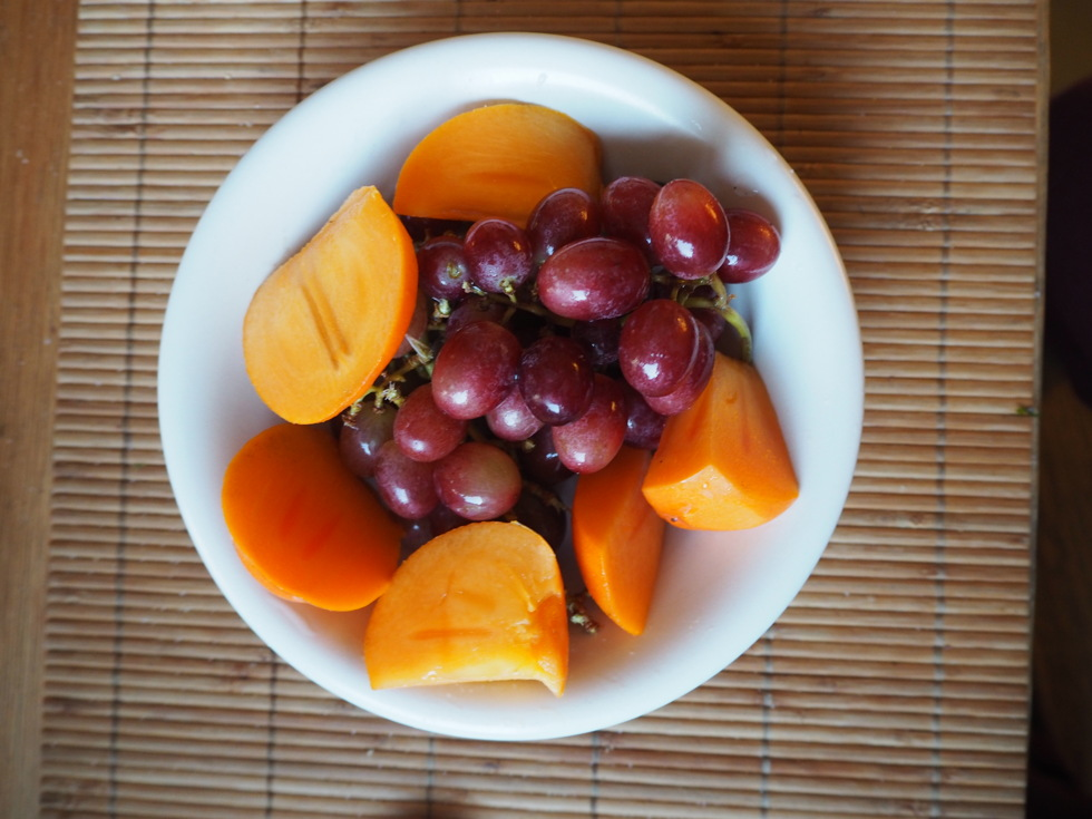 kost hälsa frukt mellanmål persimon vindruvor nyttigt kvällsmål