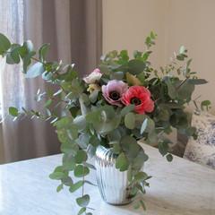 anemoner-eucalyptus-Flowery-Stockholm-Prenumeration-Blommor-abongemang_medium