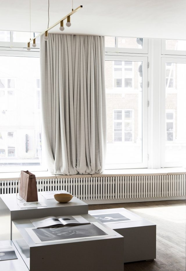 kinfolk-office_norm_architects_interiors_gallery_copenhagen_dezeen_2364_col_5-640x934