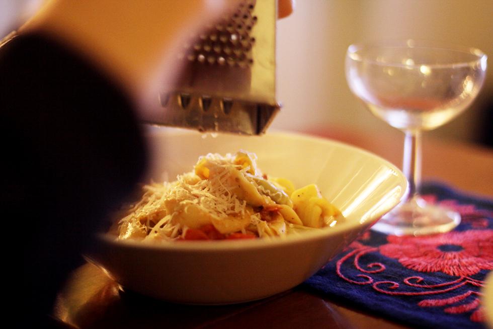 färsk pasta med körsbärstomater