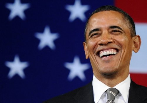 obama-laughing-stars-and-stripes-600x421-89c31