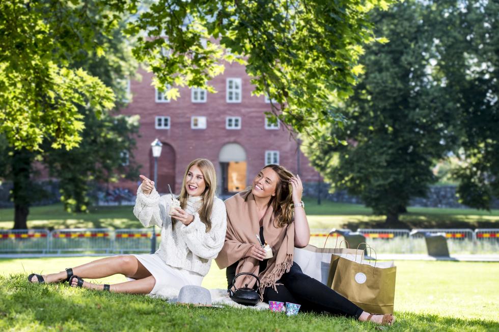 Blogg tjejer och deras prylar Foto Jonas BIlberg