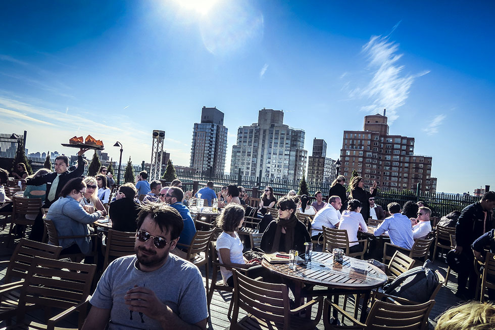 230 5th avenue roof top bar