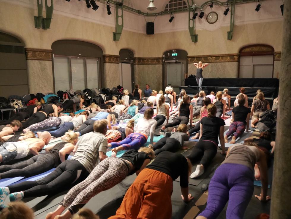 yoga och dans