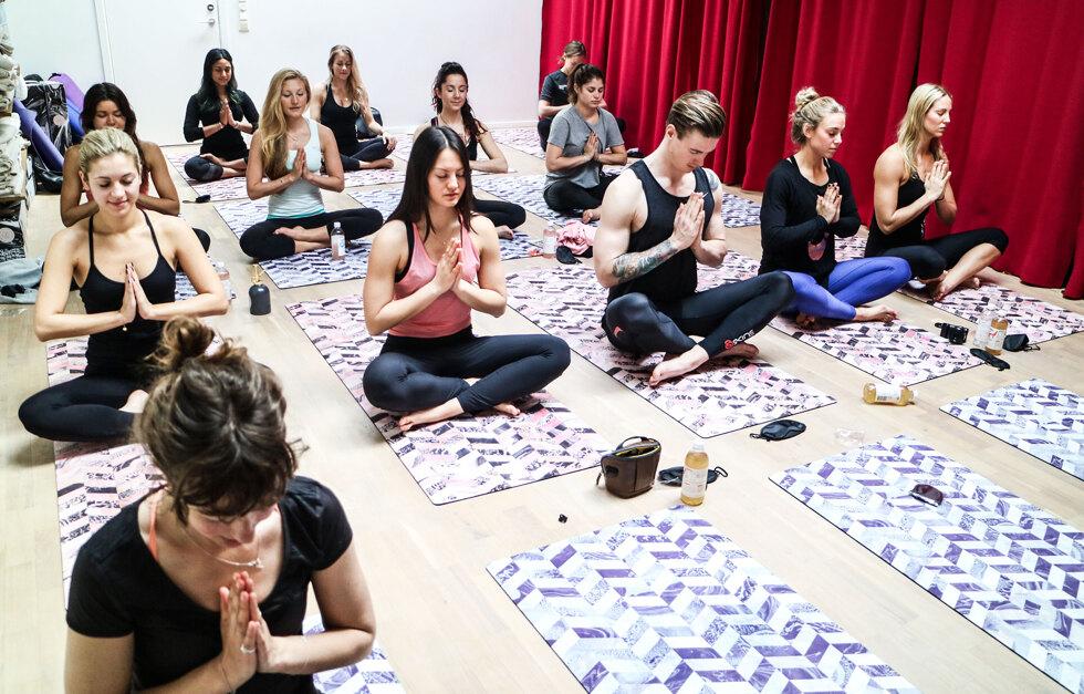 Yogavevent på hemmaplan