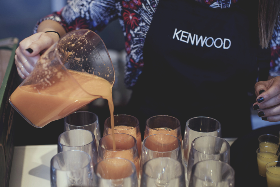 Yoga och Juice-Kenwood