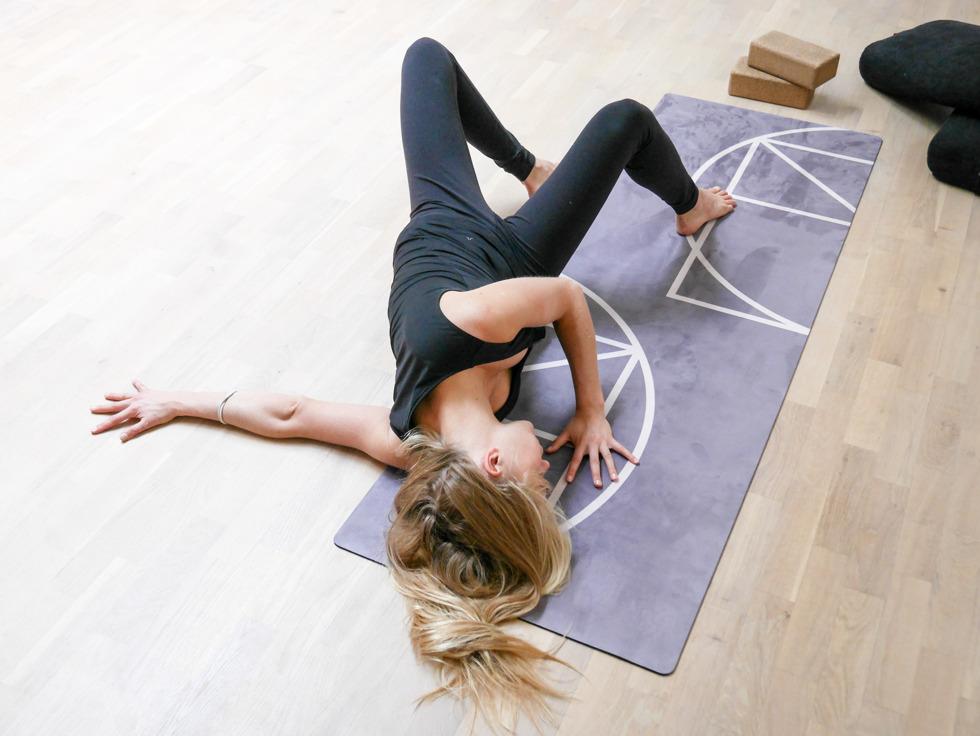 Yogautmaning Yin shoulder